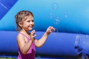 Camp_2019_Mya_bubbles